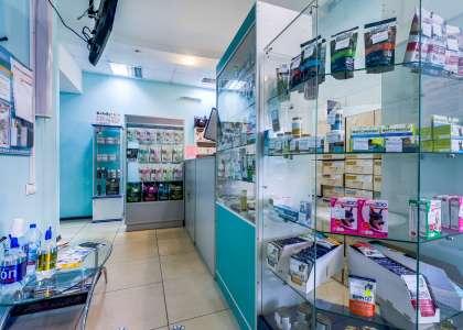 Клиники, аптеки